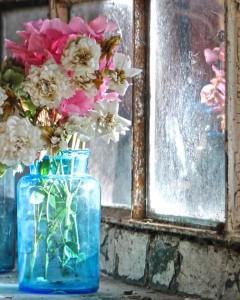 RvB-Arts_Vera-Rossi_Vaso-Blu-con-Oleandri_stampa-su-plexiglass_115x90-cm_light
